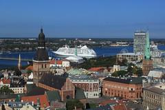 Riga (zug55) Tags: riga lettland latvia livland rīga latvija unescoworldheritagesite unesco unescowelterbe welterbe worldheritagesite petrikirche svētāpēterabaznīca stpeterschurch düna daugava daugavariver river fluss cruiseship explore