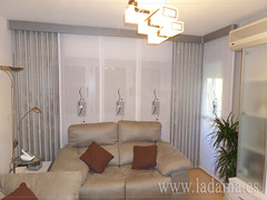 "Cortinas Modernas para salón • <a style=""font-size:0.8em;"" href=""http://www.flickr.com/photos/67662386@N08/15650339591/"" target=""_blank"">View on Flickr</a>"