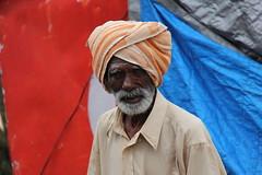 IMG_5551 (m.carmegarrigacurt) Tags: people india man market chamundi