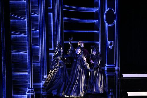 Troisième Dame dans la Flûte Enchantée de Mozart sous la direction de Roberto Fores Veses. Opéra de Vichy. Mise en scène : Pet Halmen et Eric Vigié.