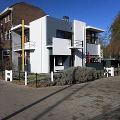 IMG_8978 Schrder-Schrder Huis by Gerrit Rietveld (marklarmuseau) Tags: netherlands utrecht modernism unesco destijl rietveldschrderhouse