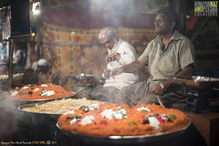 Sheera Parathe wale, Mahim Fair, Bandargaah, Mumbai, Maharashtra, India (Humayunn Niaz Ahmed Peerzaada) Tags: street saint zeiss 50mm f14 sony streetphotography carl ahmed manualfocus ze highiso planar niaz carlzeiss dargah sufisaint revered carlzeiss50mm tcarl peerzaada 50mmcarl f14carl makhdoomalimahimi sonya7s carlzeiss50mmf14zeplanartmanualfocuslens nightvisuals sufisaintmakhdoomalimahimi zeisssonysony alphamahimmumbaimaharashtraindiahumayunn peerzaadahumayunn