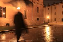 Stretta nel cappotto (Closed in coat) (Massimo Cerrato) Tags: mosso night notte pioggia rain motion