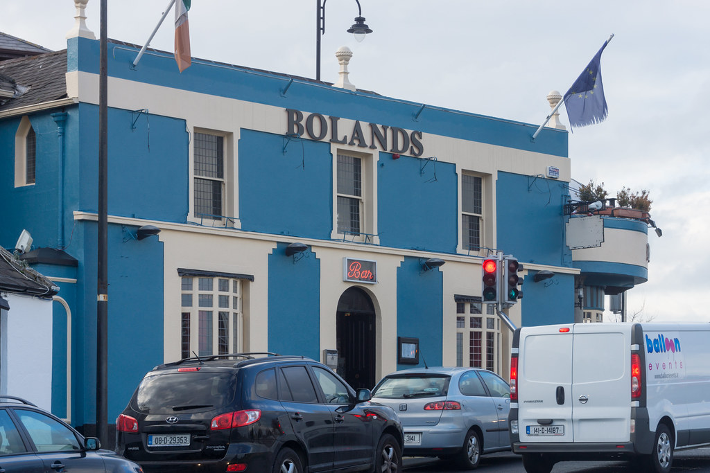 Bolands Pub - Stillorgan Village Ref-100101