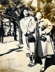 1930s Japanese Women in Long Coats & Hats (Vintage Japan-esque) Tags: camera old woman girl hat fashion japan female vintage japanese 1930s women dress coat style palmtrees palmtree heels handbag longcoat foundphotograph overcoat   welta welti  welticamera