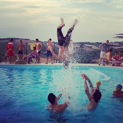 FUNNYY!! (mmiriana) Tags: friends summer love water colors swimming fun photography photo jump divers funny diving turns photooftheday
