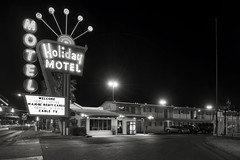 Holiday Motel (Curtis Gregory Perry) Tags: lasvegas night black white motel holiday neon sign parking lot lodging bw retro vintage nikon d800e natë gau ноч нощ nit noc nat νύχτα notte nakts naktis noite lejl natt ночь éjszaka נאַכט रात 夜 夜晚 đêm gece nag usiku dare bosiu gabii gabi wengi alina malam po