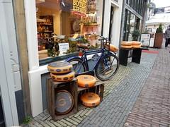 KAAS BOTER EIEREN, Lijnmarkt Utrecht (Nederland) (bcbvisser13) Tags: street shop cheese utrecht nederland eu etalage winkel winkelstraat bycicle lijnmarkt straat kaas reijpenaar kaasbotereieren