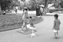 Tokyo Park (Red-Dream) Tags: blackandwhite monochrome noiretblanc blackwhite street streetphotography tokyostreet tokyo tokusatsu bw pretoebranco biancoynero blancoynegro superfave ciudad luz natural luznatural downtown urbana zwartenwit schwarzweiss streetpix strase straat calle citylife