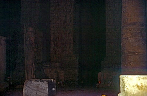 "Ägypten 1999 (295) Karnak-Tempel: 1. Hof des Tempel des Amuns-Re • <a style=""font-size:0.8em;"" href=""http://www.flickr.com/photos/69570948@N04/28107323994/"" target=""_blank"">View on Flickr</a>"