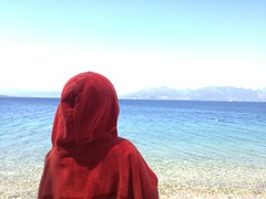 #little_red_riding_hood #by_the_sea (Giwrgos Skondras) Tags: littleredridinghood bythesea