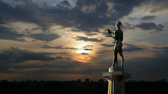 Sunset (Dragan*) Tags: statue sculpture monument art bronze thevictor pobednik man bird sword plinth ivanmestrovic kalemegdan city urban silhouette sunset sunlight sky clouds nature ourdoor