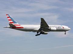 N793AN Boeing 777-223ER American Airlines (corkspotter / Paul Daly) Tags: n793an boeing 777223er b772 30255 299 l2j abgm aac337 aal aa american airlines 2000 20000914 lhr egll london heathrow