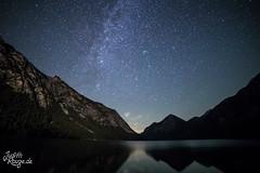 Lake Heiterwang at Night (judithrouge) Tags: lake see heiterwang heiterwangersee austria österreich night nacht stars sterne sternenklar milkyway milchstrase wasser water dark dunkel berge mountains