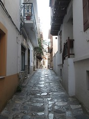 20160804_002 (a1pha_gr) Tags:    greece sporades skopelos    buildings window glass  wall  balconies  railings   street alley