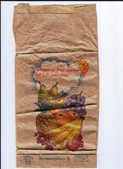 paper bag 2 (Just Back) Tags: bag paper food fruit obst banana strawberry pineapple grapes pear botany fresh healthy gesund dutch groente en gezond het hele jaar door holland nederlandse sack ad fruchte adam amsterdam botánica