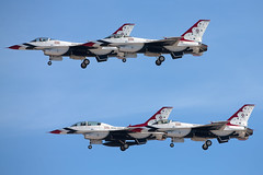 Thunderbirds_KLSV_0907 (Mike Head - Jetwashphotos (Up & Away)) Tags: usa america us nevada performing formation nv f16 thunderbirds nellis nellisafb fightingfalcon lsv klsv lockheedgd