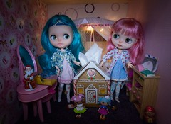 Blythe A Day 15 December 2014 -  Gingerbread house