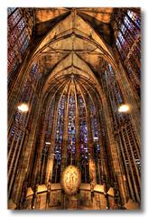 Aachen - Aachener Dom Choir with illuminated Apostles 02