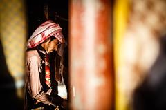 Jordan (Daniele Pezzoni Photography) Tags: boy guy jordan rum seta wadi deserto bedouin beduino giordania pashmine