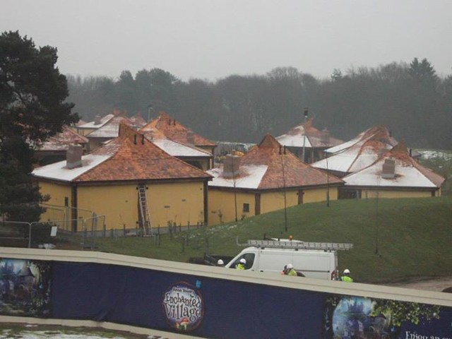 23/01/2015 - A closer look at the snowy lodges