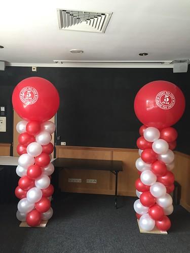 Ballonpilaar Breed Rond met bedrukte Topballon 5 jaar Cigo van der Valk Leusden
