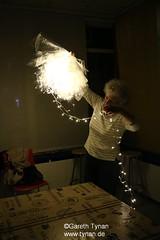 s160510_0017+_ArtPeople_Brigi_LightFlowers (gareth.tynan) Tags: experiment prototype luminale lightflowers artpeoplelangen brigittegrausamtynan