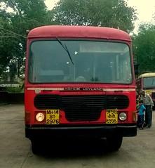 MSRTC Mumbai Lanja Via Bhambed (kunalas440) Tags: hirkani msrtc statetransportbus maharashtrastateroadtransportcorporation volvo9400 msrtcbus msrtcashokleylandbus msrtcpushback msrtchirkani msrtcpushbackhirkani msrtcshivneri msrtcdevrukhdepot