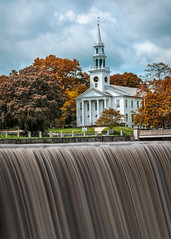 First United Congretional Church of Christ (Trotter Jay) Tags: waterfall newengland ndfilter congregationalchurch fallfoilage milfordct fallinnewengland downtownmilford scenicnewengland milfordduckpond fallinct leebigstopper nikond7100 firstunitedcongretionalchurchofchrist