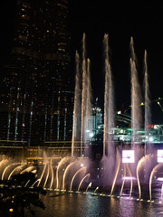 Burj Khalifa and surroundings / Dubai (Rita Willaert) Tags: golf dubai khalifa surroundings ae stad burj azi liga verenigde perzische arabische emiraten verenigdearabischeemiraten burjkhalifa perzischegolf arabischeliga dubaistad burjkhalifaandsurroundings