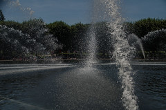 Hirshhorn Museum -4 (Webtraverser) Tags: washingtondc nationalmall waterfountain sculpturegarden nationalgalleryofart d7000