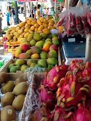 Dragon Fruit, etc. (ggppix) Tags: hawaii chinatown market oahu produce honolulu openair dragonfruit hylocereusundatus whitefleshedpitahaya