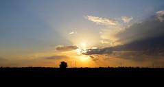 IMG_0040x (gzammarchi) Tags: italia tramonto nuvola natura campagna paesaggio ravenna riflesso pianura villanovadiravenna