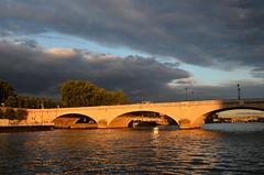 paris_2016_2544 (rollertilly) Tags: paris seine bateaux mouches frankreich france bootsfahrt brcken ponts pontneuf eiffelturm abendsonne