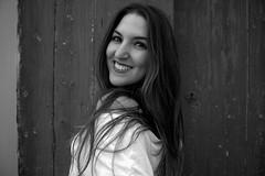 MADURAR (v). Aprender a estar solo,  y elegir no estar con cualquiera. (Lucia Cortés Tarragó) Tags: beauty ibiza girl bw amour hache hair canon canon100d