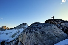Man frotto. (najeebmahmud) Tags: nikon nikond810 d810 nature landscape nikkor nikkor2470mm 2470mm f28g light lines mountains mountain mountaintop snow holiday summer sky awesome bluesky blue britishcolumbia bc canada sunset white wow