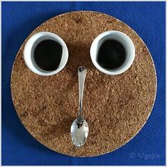 'na tazzulella 'e caff, anzi due... (vigopix) Tags: caff tazzine cucchiaio volto faccia sottopentola blu sughero