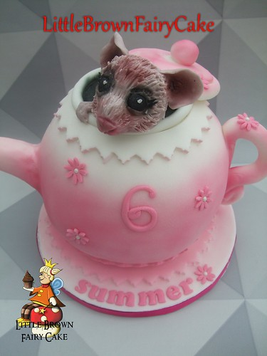 a close teapot