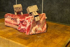 Danbo and Beef. (Jackie XLY) Tags: canon beef cook meat roast eat rib danbo 600d ribofbeef danboard canon600d