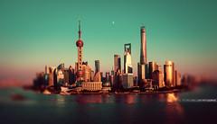 Shanghaï Vintage Bund (A-lain W-allior A-rtworks) Tags: building tower colors vintage nikon tour couleurs wide pearl nikkor orient bund perle d800 1635 articial décapsuleur