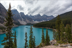Moraine Lake, Banff National Park (Alberta) (Anna & Oskar) Tags: travel viaje canada canon landscape paisaje can alberta eldon banffnationalpark morainelake canadianrockies 1dx montaasrocosas 5dmarkii kananaskiscountryclaresholm