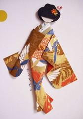 All-purpose card 20_close-up of doll (tengds) Tags: orange brown white birds gold card kimono obi papercraft japanesepaper washi ningyo handmadecard chiyogami yuzenwashi japanesepaperdoll nailsticker washidoll origamidoll tengds allpurposecard budstick