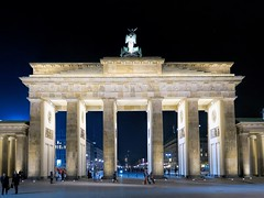 Brandenburger Tor (Matthias Harbers) Tags: life city travel sky building berlin skyline architecture night photoshop canon germany landscape lights 1 evening licht inch cityscape darkness nacht x powershot elements labs dxo g3 topaz lampen superzoom g3x