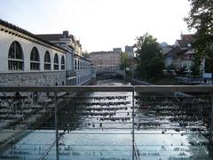 bridge_of_love4 (Wiebke) Tags: ljubljana slovenia europe vacationphotos travel travelphotos butchersbridge mesarskimost bridge footbridge lovepadlocks modernbridge ljubljanica