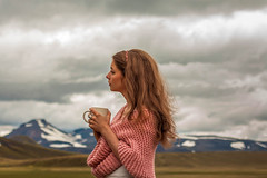 andreaszanyi.com (Betka Vass) Tags: morning coffee girl weather scarf canon hair outside bad mug