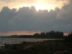 A late evening view from seashore near the Merihelmi camping  (Taipale, Ii, 20140728) (RainoL) Tags: sunset sea summer finland geotagged evening july balticsea ii op fin seashore taipale 201407 pohjoispohjanmaa merihelmi 20140728 20140727 geo:lon=2525583028 geo:lat=6552445098