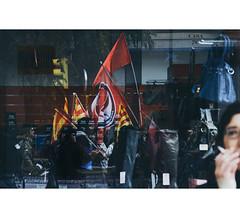 (Vctor Westfalia) Tags: espaa spain zaragoza demonstration protesta universidad aragon strike manifestacion greve comunismo jovenes independencia huelga socialismo estudiantes generalstrike banderaroja universitarios huelgageneral antifascismo 20n movimientoestudiantil mareaverde anfifascista grevegeneral huelgaestudiantil