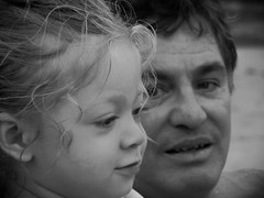 historia de av (Leonard Grava) Tags: portrait girl child retrato criana avo