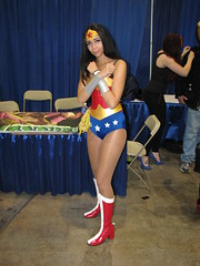 Wonder Woman (FranMoff) Tags: costume cosplay wonderwoman 2014 costumer rhodeislandcomiccon ricomiccon