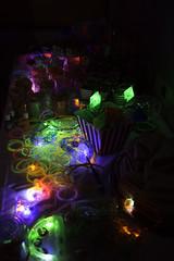 Accesorios Luminosos (Jos Ramn de Lothlrien) Tags: party disco neon dj fiesta jr cumpleaos baile multicolor brillante polvo celebracion barrido producciones festejo neonparty fiestaneon polvosos